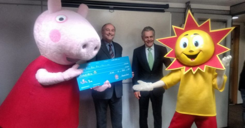 Estrela participa de campanha social com Peppa