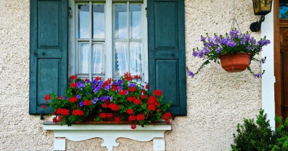 Charme e leveza, conheça mais sobre as floreiras