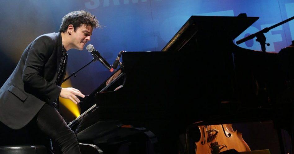Jamie Cullum lota e encanta Tom Brasil no encerramento do Samsung Best of Blues