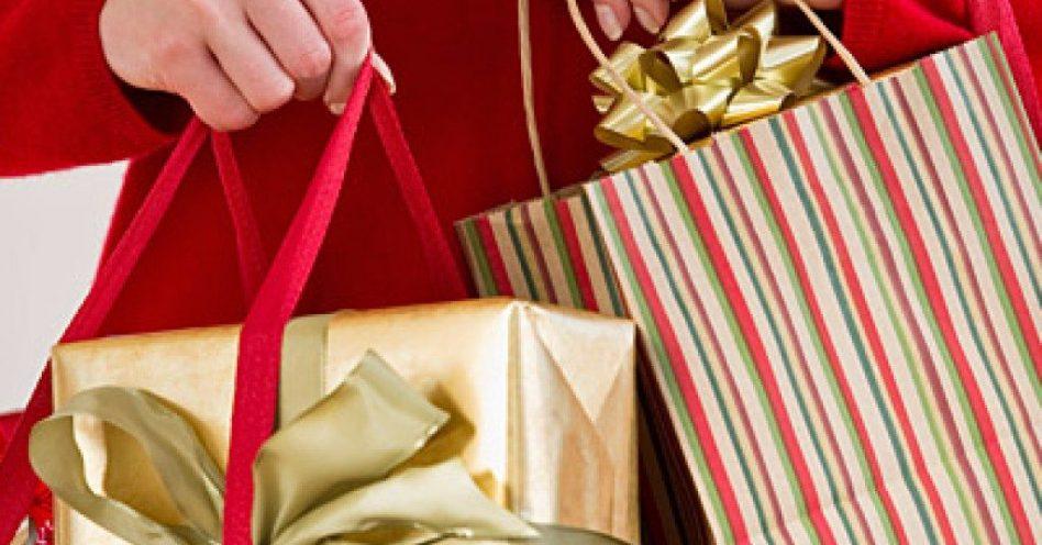 Sapatos estarão entre os produtos comprados neste Natal