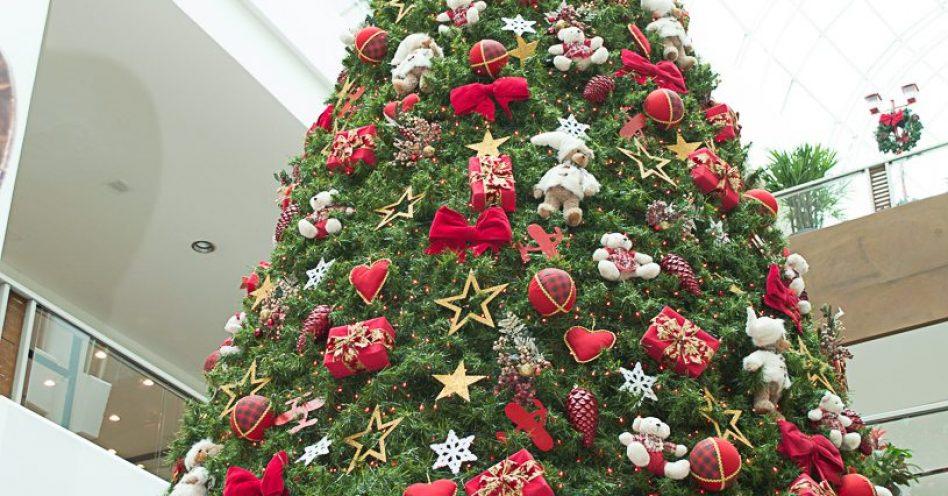 No Shopping Crystal, Natal é celebrado no escritório do Papai Noel