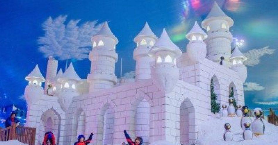 Snowland tem programação especial de Natal em aldeia natalina