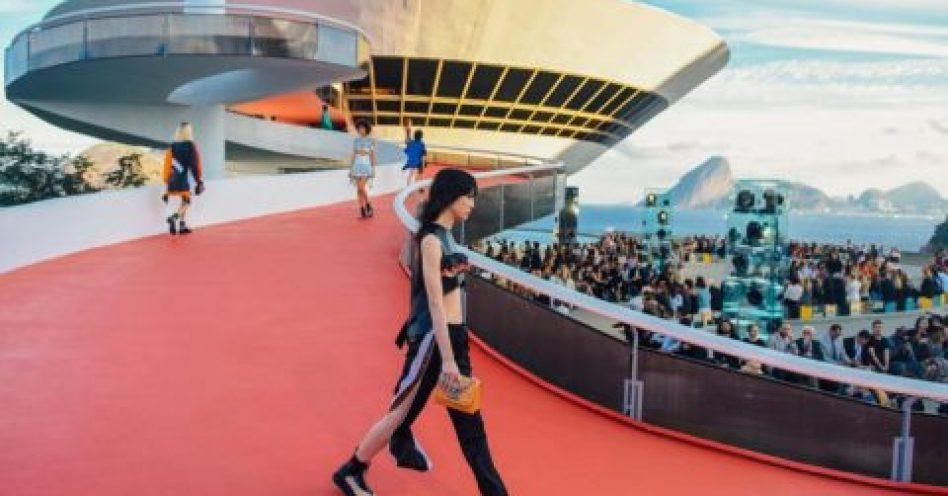 Louis Vuitton inova mais uma vez para apresentar Cruise