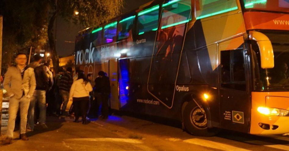 Rockbus chega a Mogi das Cruzes para promover celulares da Rockcel