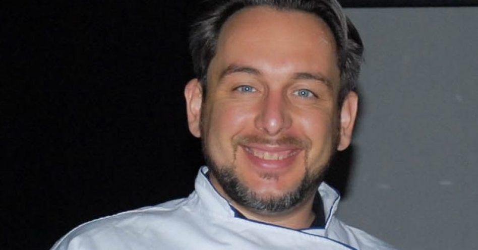 Daniel Ravetta demonstra dinâmica de degustação técnica de vinhos