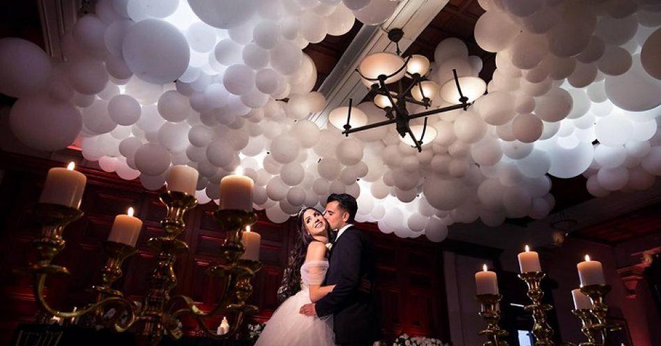 Casamentos ganham decorações sofisticadas com balões