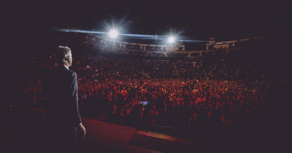 Andrea Bocelli inicia domingo turnê no Brasil por Porto Alegre