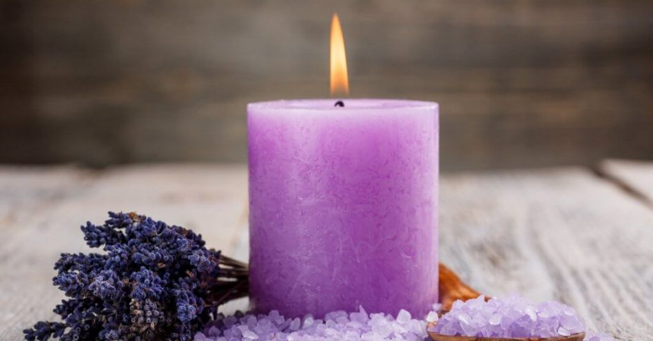 Especialista recomendam velas perfumadas naturais