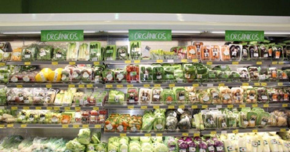 Busca por orgânicos faz produção crescer e supermercados buscam parceiros locais