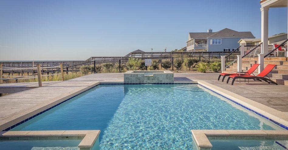 Vantagens e desvantagens das piscinas de água salgada