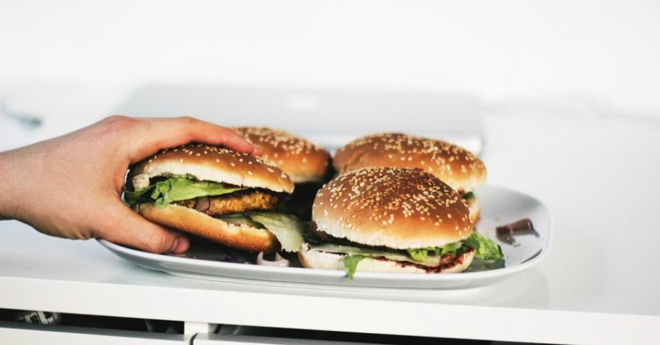 O movimento das gigantes da alimentação em direção ao mercado vegano