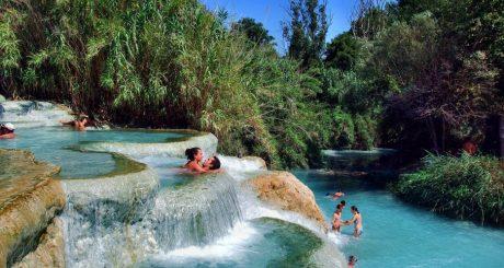 9 destinos brasileiros com águas termais