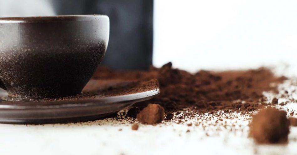 Borras de café são transformadas em xícaras